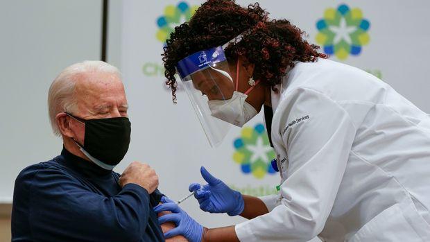 Biden döneminin aşı ortalaması günde iki milyon doz