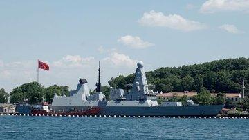 Rus uçağından Karadeniz'de İngiliz savaş gemisine uyarı a...