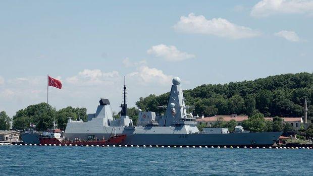 Rus uçağından Karadeniz'de İngiliz savaş gemisine uyarı ateşi