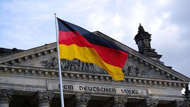 Almanya'da 100 milyar euro yeni borç öngören bütçe tasarısına onay