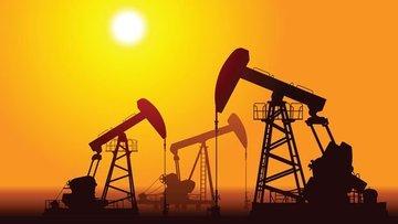 Petrol azalan stoklarla yatay seyrediyor