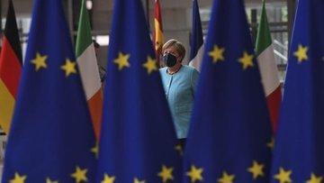 Merkel: Türkiye'ye 3 milyar euroluk ek fonda uzlaşı çıktı
