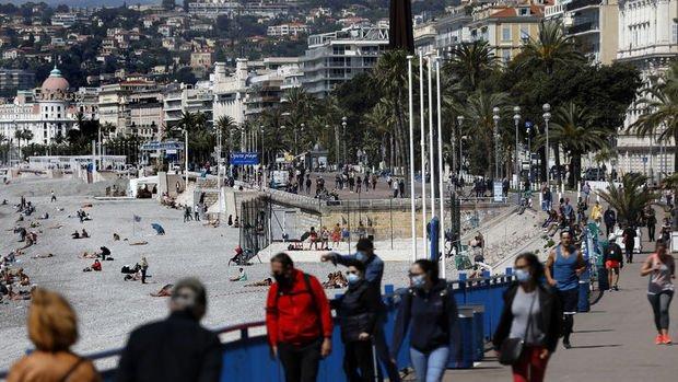 Fransa'da delta varyantı yeni vakaların yaklaşık yüzde 20'sinde görüldü