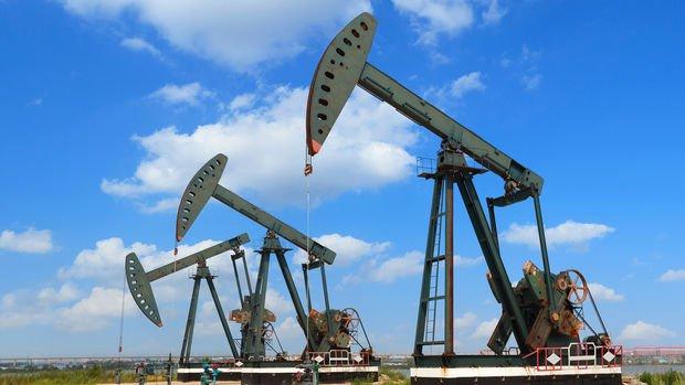 Petrol Delta varyantı endişeleriyle yatay