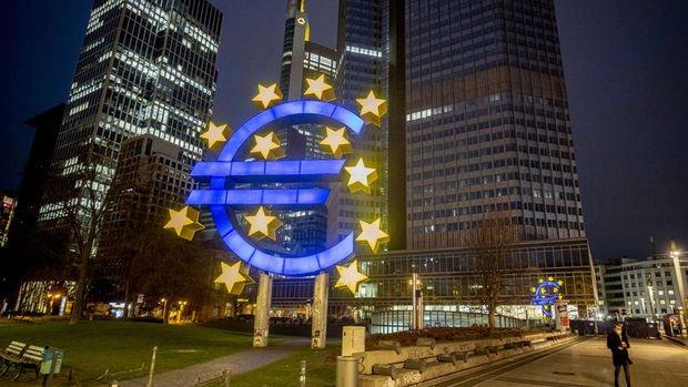 Avrupa Merkez Bankası enflasyonun hedefi aşmasına izin verecek