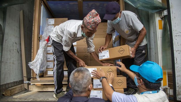 ABD'nin hibe ettiği 1,5 milyon doz J&J aşısı Nepal'e ulaştı