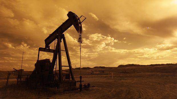 Petrol 3 yılın zirvesinden çekildi