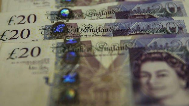 İngiltere'de enflasyon, hazinenin borç ödemelerini rekor seviyeye çıkardı