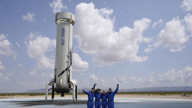 Blue Origin'den 100 milyon dolarlık uzay bileti satışı