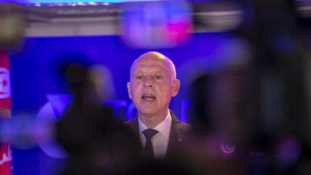 Tunus'ta Cumhurbaşkanı Said, Başbakanı görevden aldı, meclisin yetkilerini dondurdu