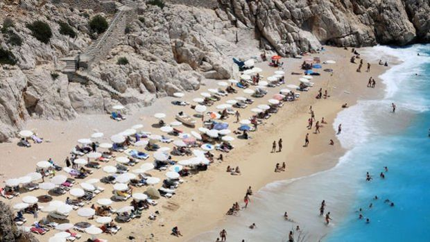 Turizm geliri ikinci çeyrekte 3 milyar dolar oldu