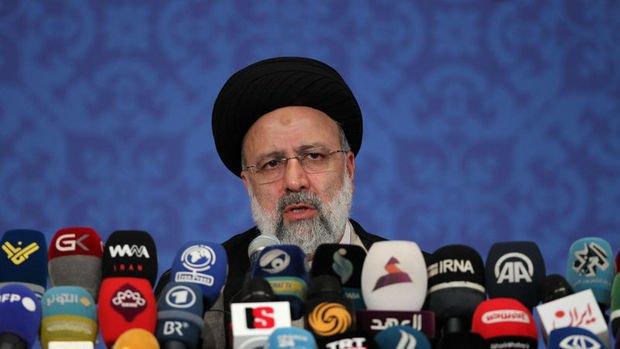 İran'da Reisi dönemi başladı