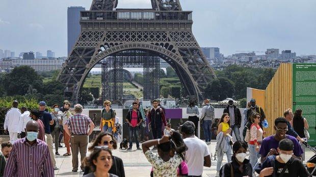 Fransa'da tartışmalı Kovid-19 ile mücadele yasası onaylandı
