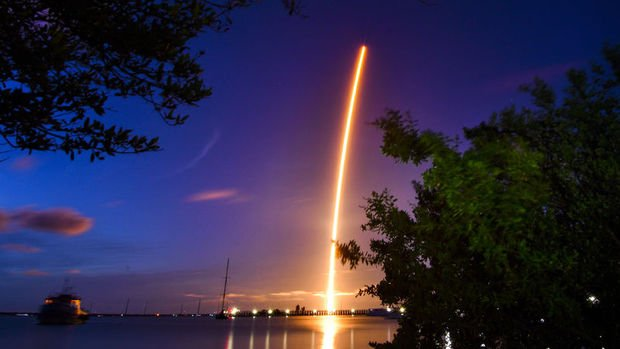 Uzay turizminde sahne SpaceX'in