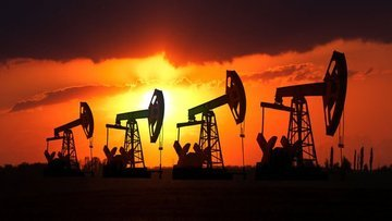 Petrolde 'güçlü dolar' düşüşü