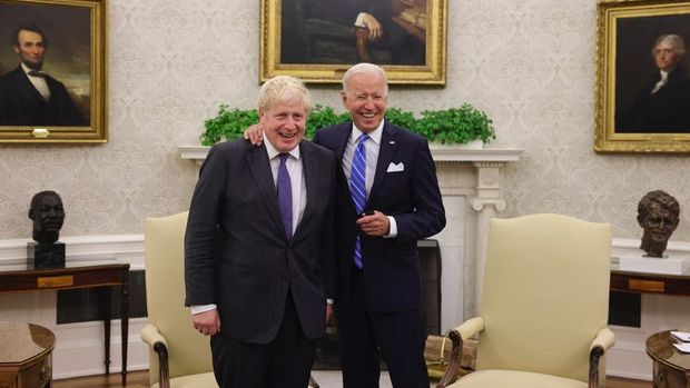 İngiltere Başbakanı Johnson, ABD Başkanı Biden ile bir araya geldi