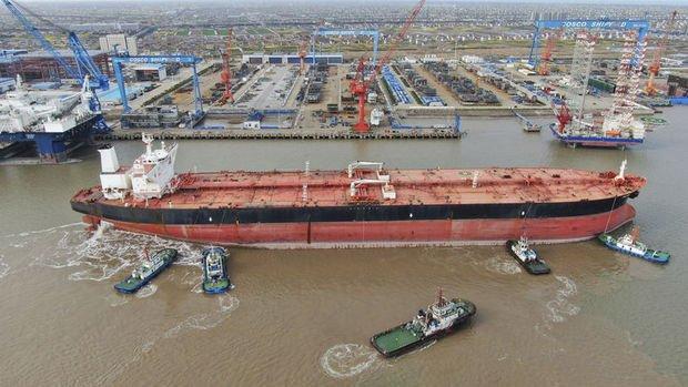 Çin'de tarihi petrol satışı