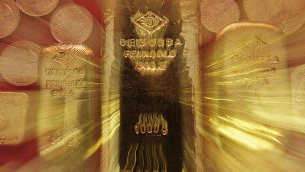 Altın 'stagflasyon' ve 'tapering' arasında kaldı