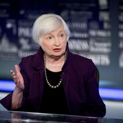 Yellen: Yüksek enflasyonun 2022'nin ortasına dek sürmesini bekliyorum