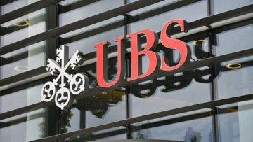 UBS üçüncü çeyrekte kârını hızlı artıran rakiplerine katıldı