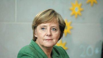 Merkel'den yeni hükümet kurulana kadar görevde kalması is...